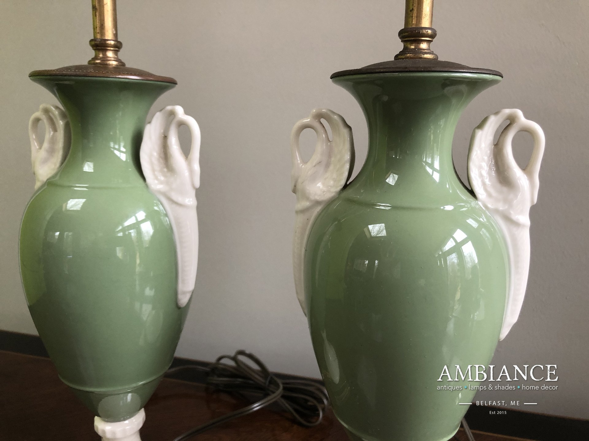 Mutual & Sunset Lamp Manufacturing Company Pair of Vintage Lamps for sale at AMBIANCE (01)
