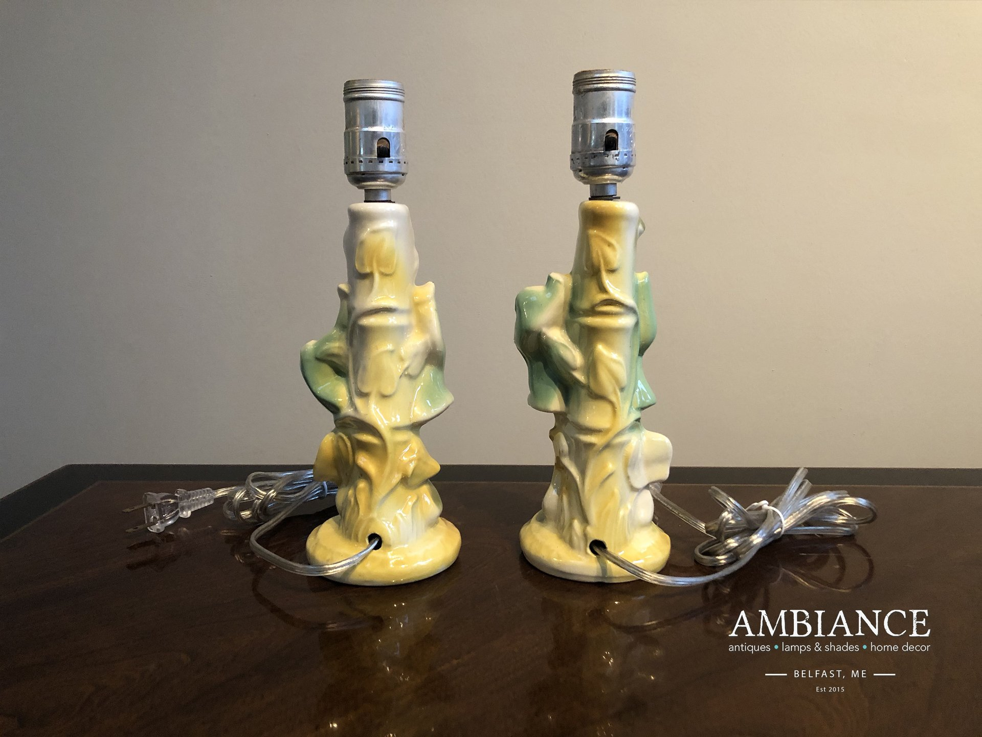 Pair of mid century porcelain-Asian lamps, figurines at AMBIANCE (01)