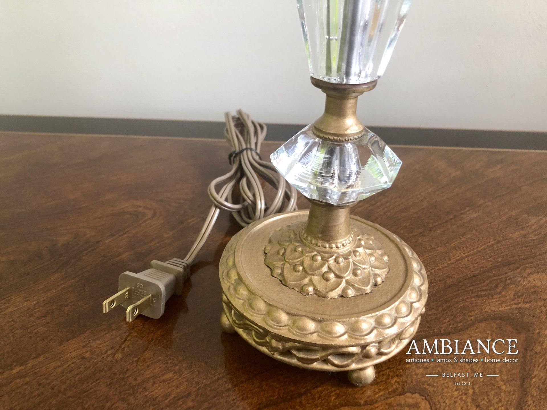 Vintage Crystal Lamp with Ornate Gilded Base at AMBIANCE (01)